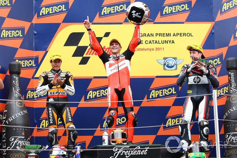 Podio: 1º Stefan Bradl, 2º Marc Márquez, 3º Aleix Espargaró