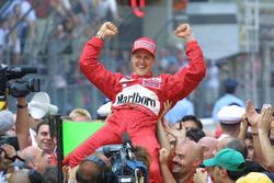 Ganador de la carrera Michael Schumacher, Ferrari F2001
