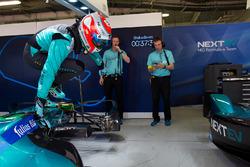 Nelson Piquet Jr., NEXTEV TCR Formula E Team, jumps from his car in the garage