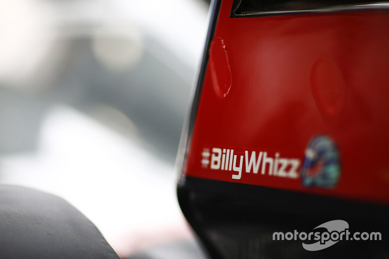 Haas F1 Team VF-17 con el logo de #BillyWhizz