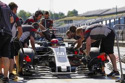 Пит-стоп: Сантино Ферруччи, Haas F1 Team VF-17