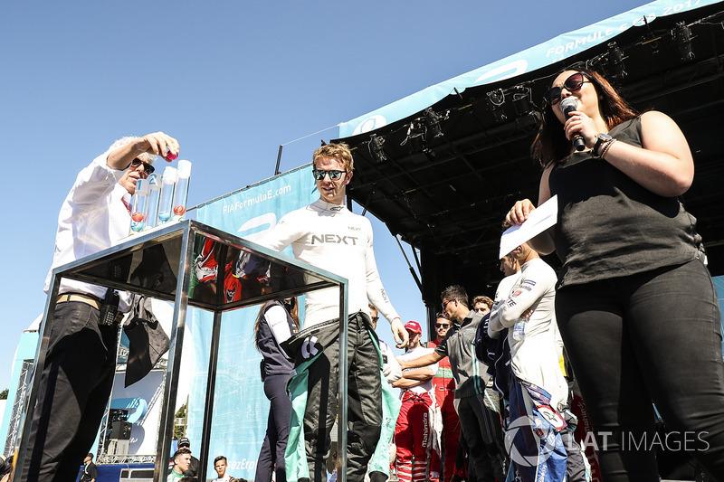 Oliver Turvey, NEXTEV TCR Formula E Team, en la loteria de la calificación