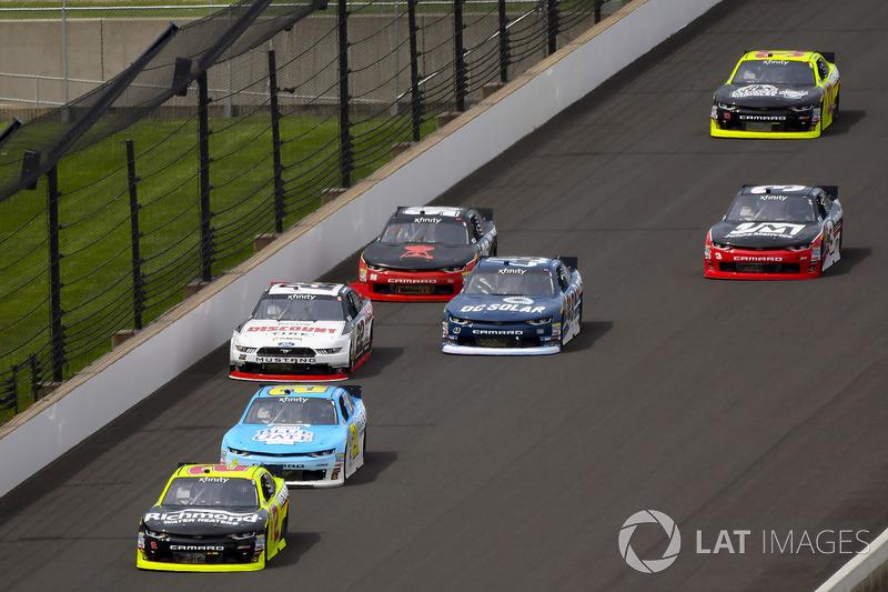 Paul Menard, Richard Childress Racing Chevrolet, Daniel Hemric, Richard Childress Racing Chevrolet