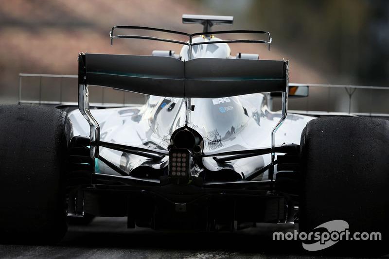 Lewis Hamilton, Mercedes AMG F1 W08: T-Flügel