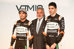 Vijay Mallya, Esteban Ocon and Sergio Perez, Sahara Force India