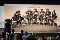 Власник Sahara Force India F1 Team Віджей Маллья, Серхіо Перес, Естебан Окон