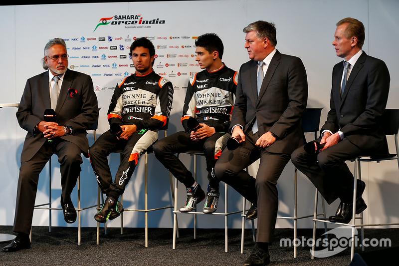 Vijay Mallya, Sergio Perez, Esteban Ocon, Otmar Szafnauer, Andrew Green, Sahara Force India F1 Team