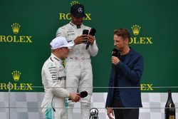 Валттері Боттас, Дженсон Баттон, Льюіс Хемілтон, Mercedes AMG F1 on the podium
