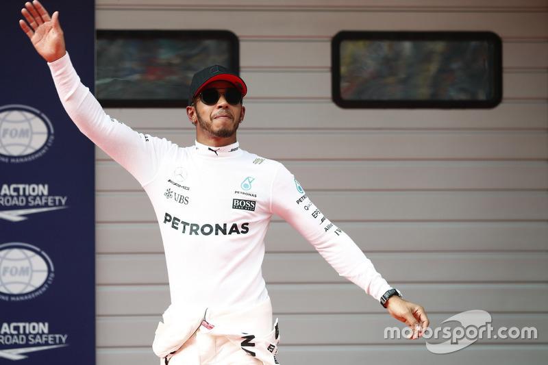 Ganador de la pole Lewis Hamilton, Mercedes AMG