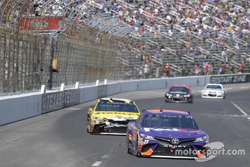 Denny Hamlin, Joe Gibbs Racing, Toyota; Daniel Suárez, Joe Gibbs Racing, Toyota