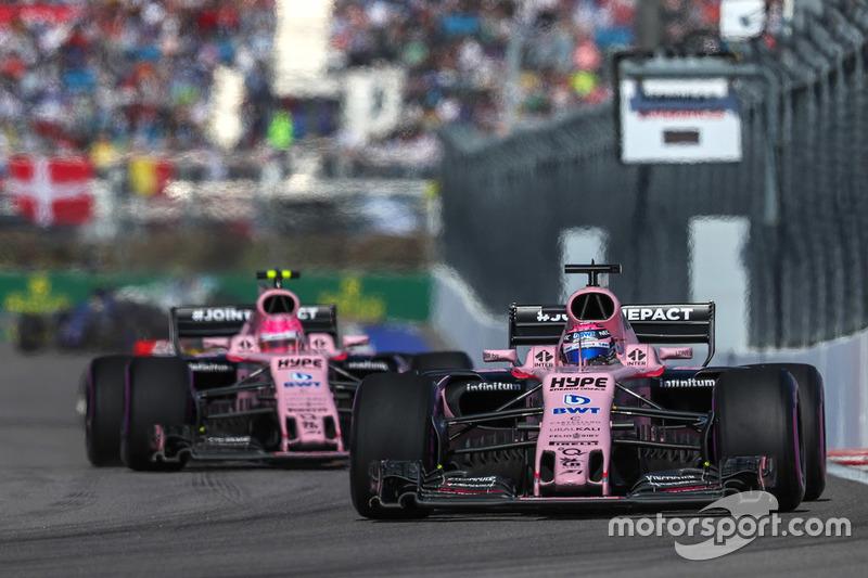 Sergio Perez, Sahara Force India VJM10, Esteban Ocon, Sahara Force India VJM10