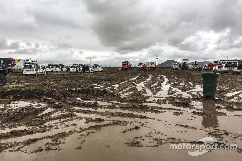 Inundación en el Bivouac en Oruro