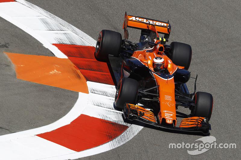 16. Stoffel Vandoorne, McLaren MCL32