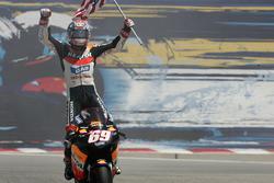 Nicky Hayden, Repsol Honda Team celebrate