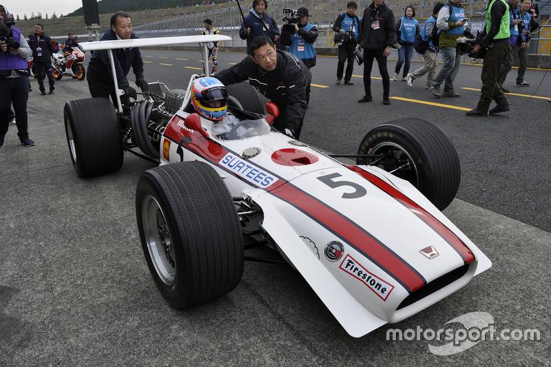 Fernando Alonso, RA301