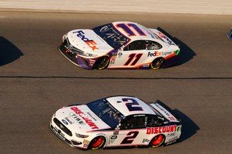 Brad Keselowski, Team Penske, Ford Mustang Discount Tire, Denny Hamlin, Joe Gibbs Racing, Toyota Camry FedEx Express