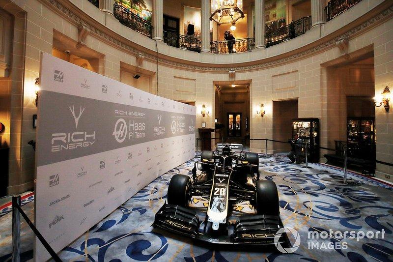 Haas F1 Team VF-18 con la nuova livrea 2019