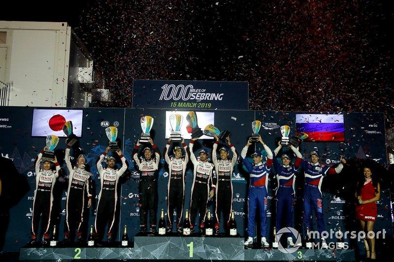 """Призеры гонки """"1000 миль Себринга"""": экипаж № 8 Toyota Gazoo Racing , экипаж № 7 Toyota Gazoo Racing и экипаж № 11 SMP Racing"""