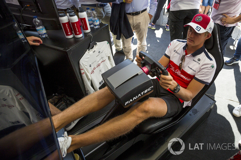 Marcus Ericsson, Sauber on the simulator