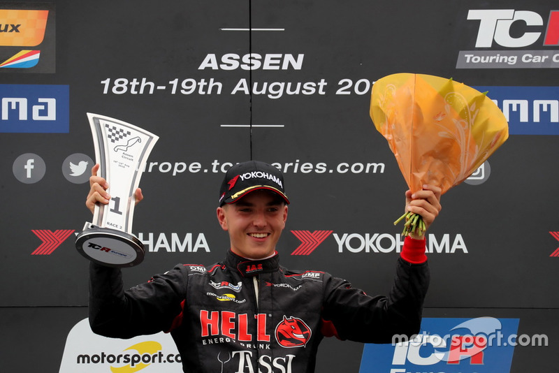 Podio: Attila Tassi, Hell Energy Racing con KCMG Honda Civic Type R TCR