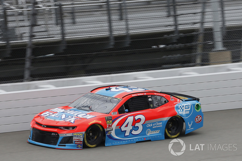 22. Darrell Wallace Jr., Richard Petty Motorsports, Chevrolet Camaro Medallion Bank / Petty's Garage
