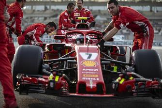 Kimi Raikkonen, Ferrari SF71H, sur la grille