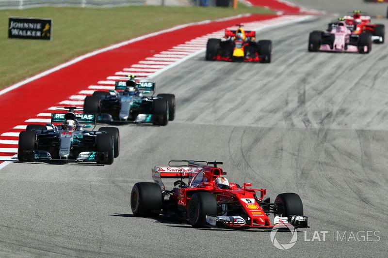 Sebastian Vettel, Ferrari y Lewis Hamilton, Mercedes AMG F1 W08