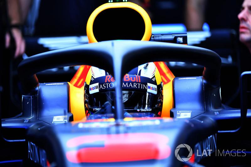 Daniel Ricciardo defendeu o Halo e disse que peça não atrapalha visão das luzes de largada