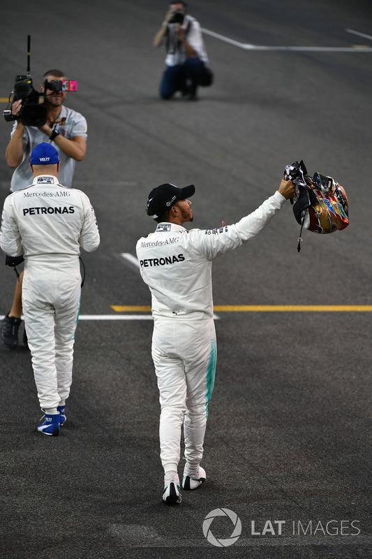 Lewis Hamilton, Mercedes AMG F1 ve pole Valtteri Bottas, Mercedes AMG F1