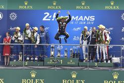 Podium LMP2 : Roman Rusinov, Andrea Pizzitola, Jean-Eric Vergne, G-Drive Racing