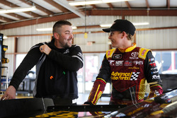 Riley Herbst, Joe Gibbs Racing, Toyota Camry Advance Auto Parts and crew man