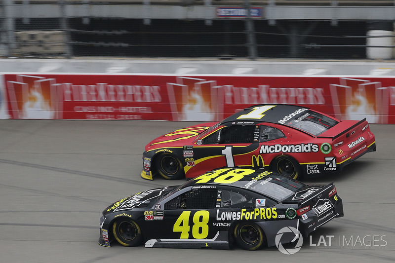 Jimmie Johnson, Hendrick Motorsports, Chevrolet Camaro Lowe's for Pros Jamie McMurray, Chip Ganassi