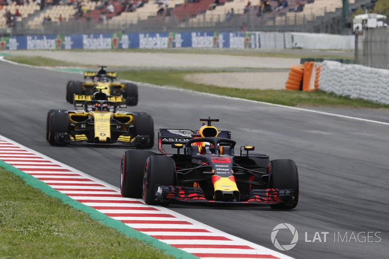 Daniel Ricciardo, Red Bull Racing RB14, Carlos Sainz, Renault Sport F1 Team R.S. 18., Nico Hulkenberg, Renault Sport F1 Team R.S. 18. en FP3