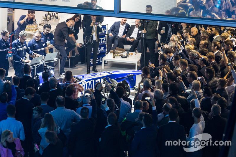 Il Sauber F1 Team al salone Auto Zürich il primo novembre