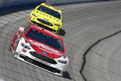 Ryan Blaney, Team Penske, DEX Imaging Ford Fusion Paul Menard, Wood Brothers Racing, Menards / Moen Ford Fusion