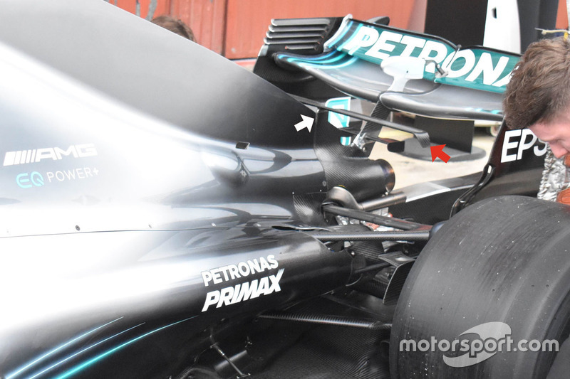 Mercedes GP W09 rear
