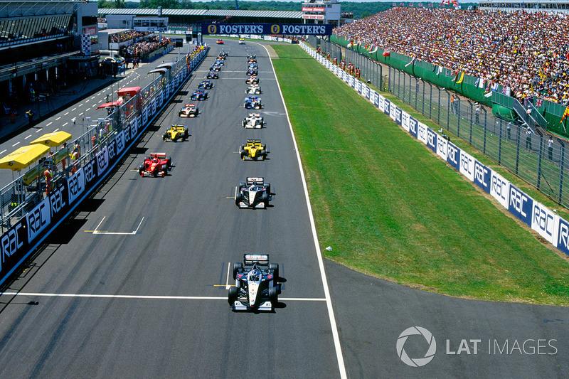 De herstart, de tweede startplek van Schumacher blijft leeg: