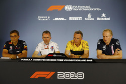 Andrew Green, Technical Director, Force India, Bob Bell, Chief Technical Officer, Renault Sport F1 Team, Paddy Lowe, Williams, and Pierre Wache, Red Bull Racing, in the Press conference