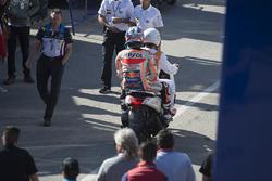 Dani Pedrosa, Repsol Honda Team, después de su caída