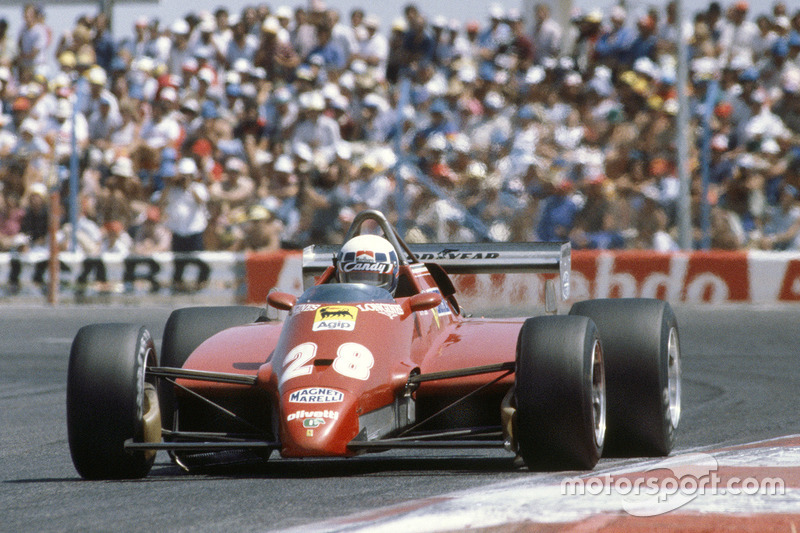 As the Ferrari 126C2 evolved Pironi looked increasingly like the 1982 World Champion elect.