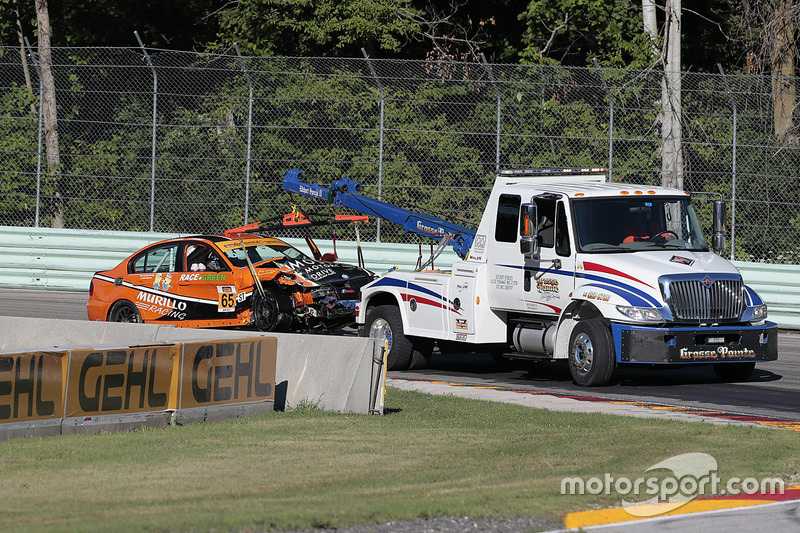 #65 Murillo Racing BMW 328i: Tim Probert, Brent Mosing dopo un incidente
