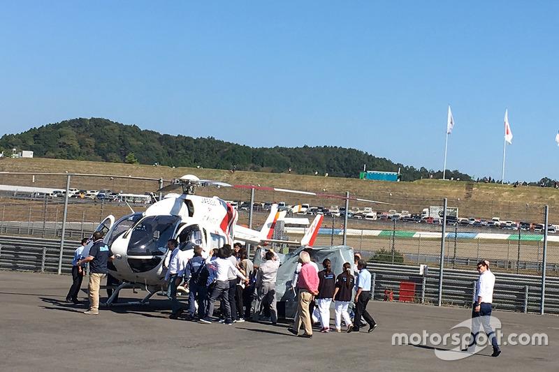 Хорхе Лоренсо отправляют в госпиталь после аварии