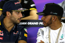 Daniel Ricciardo, Red Bull Racing and Lewis Hamilton, Mercedes AMG F1 Team during the press conference