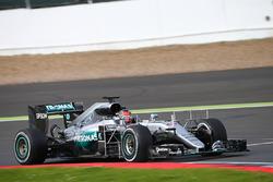 Естебан Окон, Mercedes AMG F1 W07 Hybrid