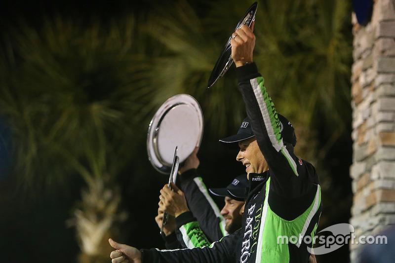 Pipo Derani venceu as 12 Horas de Sebring pela segunda vez nos últimos três anos. O brasileiro teve a companhia de Johannes van Overbeek e Nicolas Lapierre.