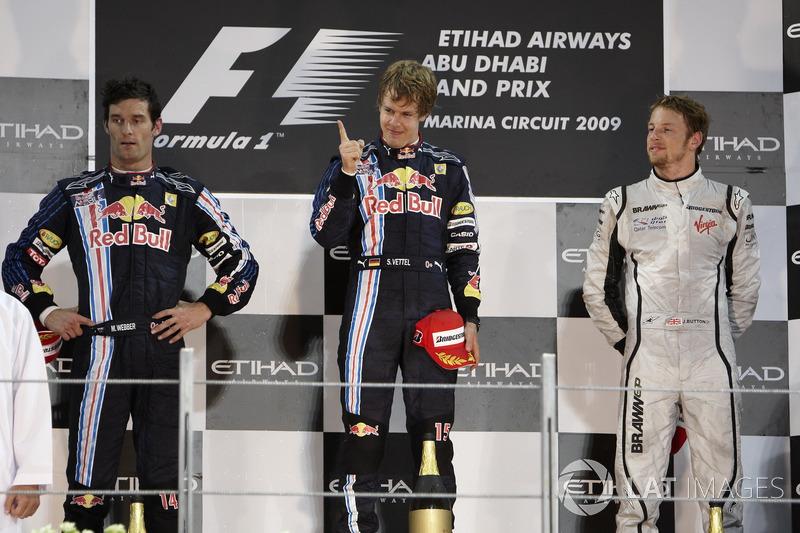 Podio: segundo lugar Mark Webber, Red Bull Racing, ganador de la carrera Sebastian Vettel, Red Bull Racing, tercer lugar Jenson Button, Brawn GP