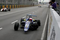 Фердинанд Габсбург, Carlin, Dallara Volkswagen, після аварії у останньому повороті