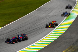 Brendon Hartley, Scuderia Toro Rosso STR12, Daniel Ricciardo, Red Bull Racing RB13, Pascal Wehrlein,