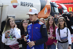 Pierre Gasly, Scuderia Toro Rosso and young fans