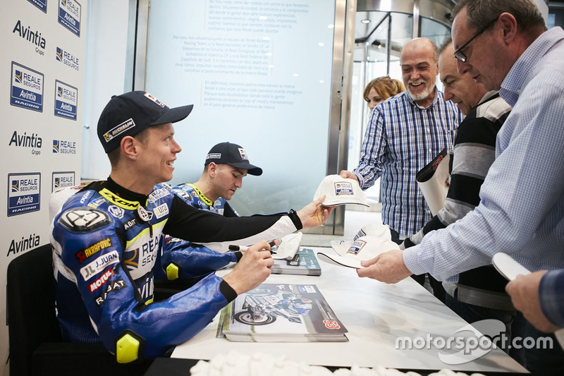 Tito Rabat, Avintia Racing and Xavier Simeon, Avintia Racing sign autographs